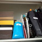 実家の片付け。「押し入れに必ずある紙袋と空箱」親とどう向き合う
